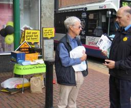 Cllr Tom Smith-Hughes talks to local resident at the Greener Chelmsford stall