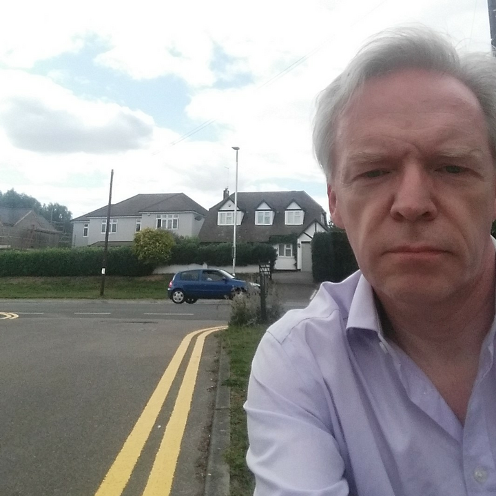 Stephen Robinson and yellow lines for Roxwell Avenue